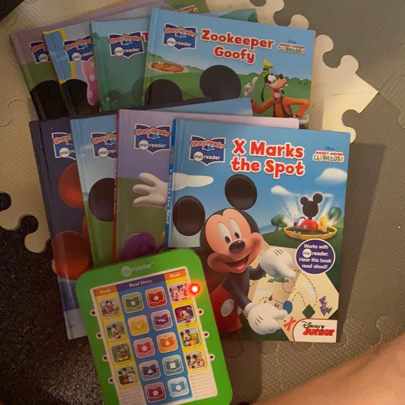 Mickey Mouse me reader set